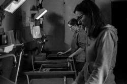 S/W Filme entwickeln und Kontaktbögen erstellen im analogen Fotolabor (2 Abende)